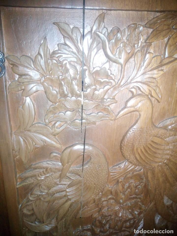 Antigüedades: Excelente mueble bar de madera de nogal tallado,desplegable se hace barra.muchos departamentos - Foto 24 - 222515668