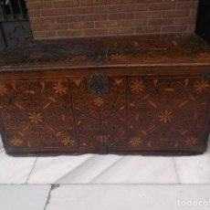 Antigüedades: ESPECTACULAR ARCA MUDEJAR SIGLO XVI. Lote 222527581
