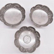 Antigüedades: 3 CENTRITOS O BOLES DE PLATA CON MOTIVOS INDIOS.. Lote 222541108