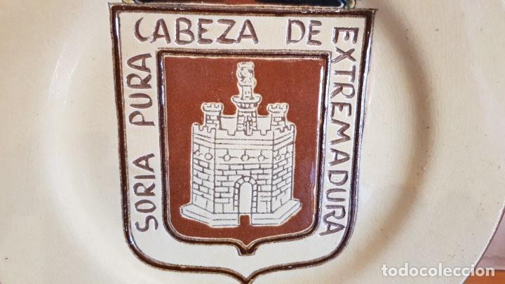 Antigüedades: EXCELENTE PLATO DE CERÁMICA / SORIA PURA CABEZA DE EXTREMADURA / 30 CM Ø / PERFECTO. - Foto 2 - 232420270