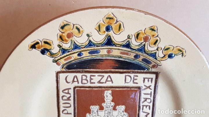 Antigüedades: EXCELENTE PLATO DE CERÁMICA / SORIA PURA CABEZA DE EXTREMADURA / 30 CM Ø / PERFECTO. - Foto 3 - 232420270