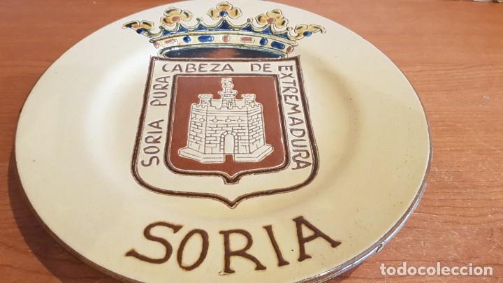 Antigüedades: EXCELENTE PLATO DE CERÁMICA / SORIA PURA CABEZA DE EXTREMADURA / 30 CM Ø / PERFECTO. - Foto 6 - 232420270