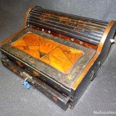 Antigüedades: ESCRITORIO DE MESA ANTIGUO JAPONÉS, LACA URUSHI. Lote 222552285