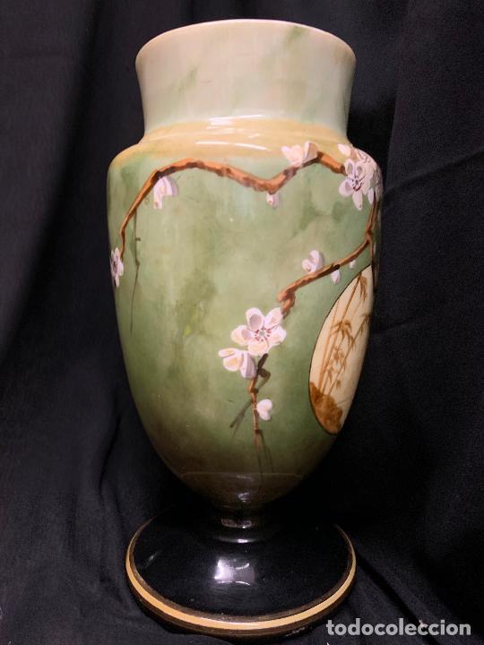 Antigüedades: Excepcional jarron antiguo de opalina pintado a mano. 30cms. Leer mas... - Foto 5 - 222557777