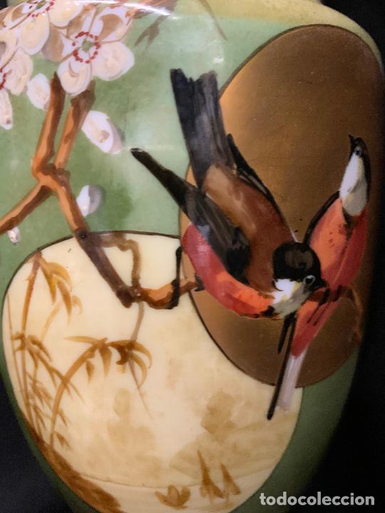 Antigüedades: Excepcional jarron antiguo de opalina pintado a mano. 30cms. Leer mas... - Foto 12 - 222557777