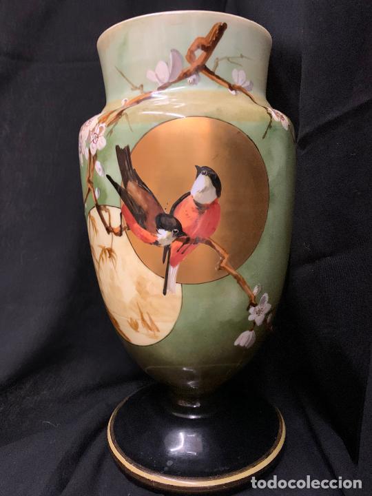 Antigüedades: Excepcional jarron antiguo de opalina pintado a mano. 30cms. Leer mas... - Foto 18 - 222557777