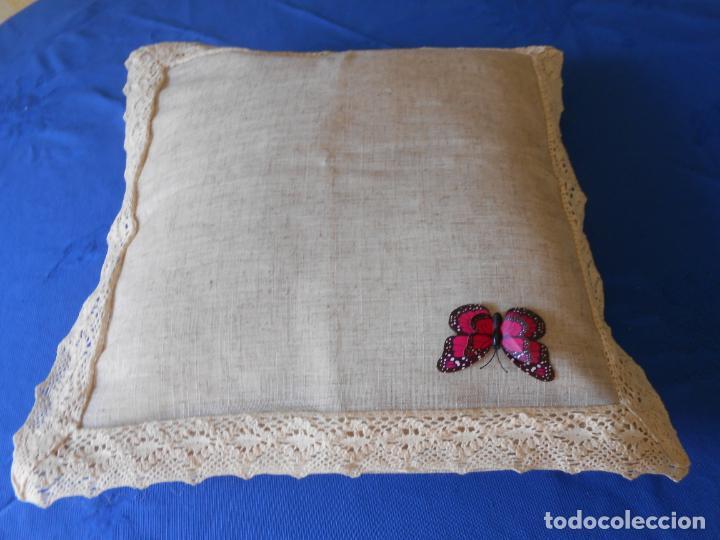 Antigüedades: Preciosa funda cojin.45x45 cm.Liso Con puntilla.BEIGE .Nuevo - Foto 4 - 278325553
