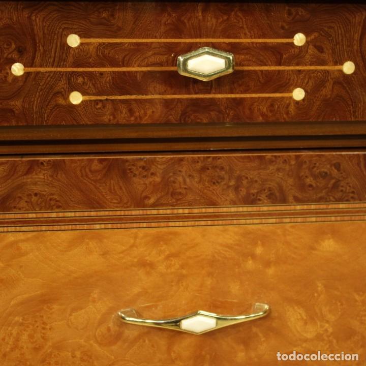 Antigüedades: Cómoda italiana en nogal, palisandro, haya, madera de frutas - Foto 8 - 222558371