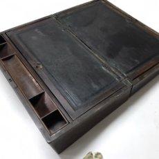 Antigüedades: ESCRIBANÍA ANTIGUA DE MADERA. Lote 222575561