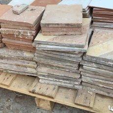 Antigüedades: SUELO ANTIGUO JASPEADO O HIDRAULICO DE 25 X 25 TOTAL 42 UDS.. Lote 222599871