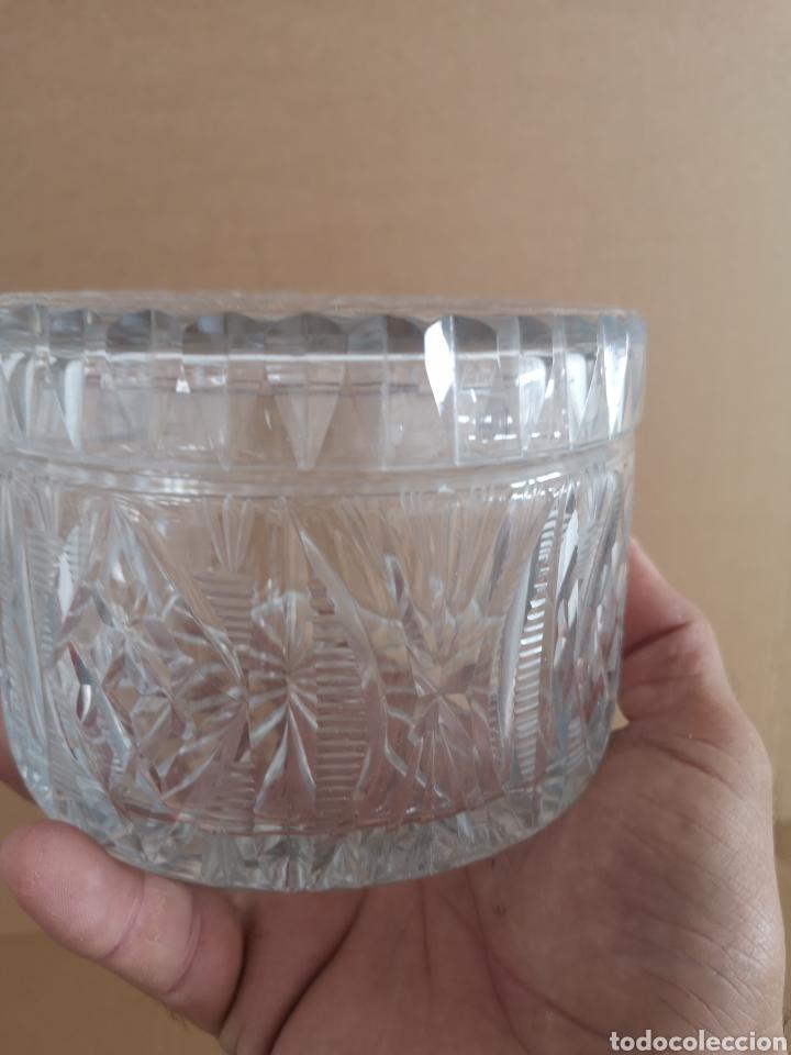 Antigüedades: Precioso y antiguo tarro de cristal tallado de bohemia - Foto 3 - 222603010