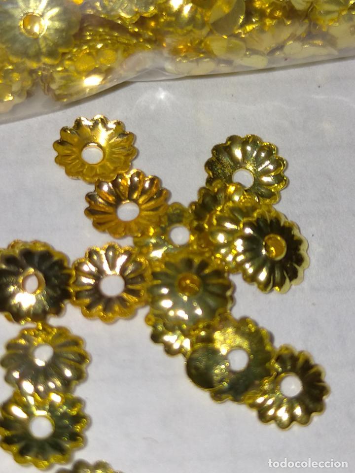Antigüedades: 400 unidades lentejuelas METAL doradas relieve bordar bordados traje virgen niño Jesús semana Santa - Foto 2 - 257397300