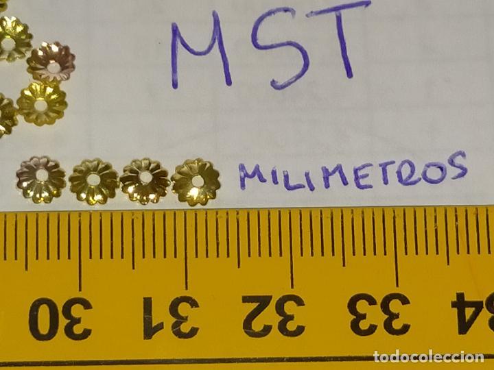 Antigüedades: 400 unidades lentejuelas METAL doradas relieve bordar bordados traje virgen niño Jesús semana Santa - Foto 6 - 257397300