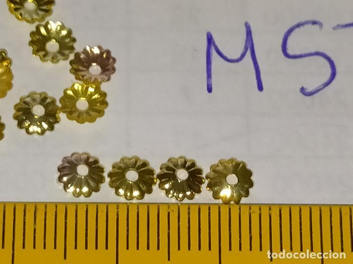 Antigüedades: 400 unidades lentejuelas METAL doradas relieve bordar bordados traje virgen niño Jesús semana Santa - Foto 7 - 257397300