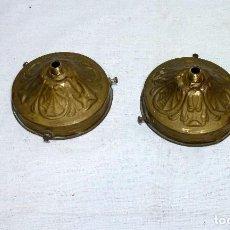Antigüedades: 2 ANTIGUAS CAZOLETAS DE LATON PORTA TULIPAS PARA LAMPARA.. Lote 222616827