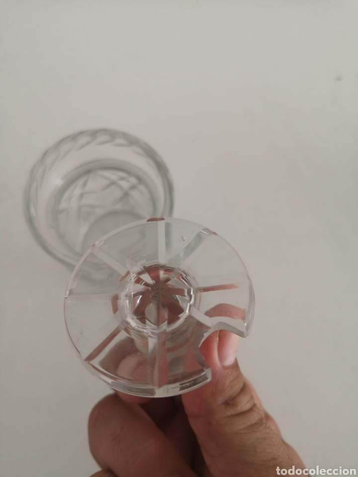 Antigüedades: Precioso y antiguo tarro bote algodonero de cristal de bohemia tallado - Foto 6 - 222619142