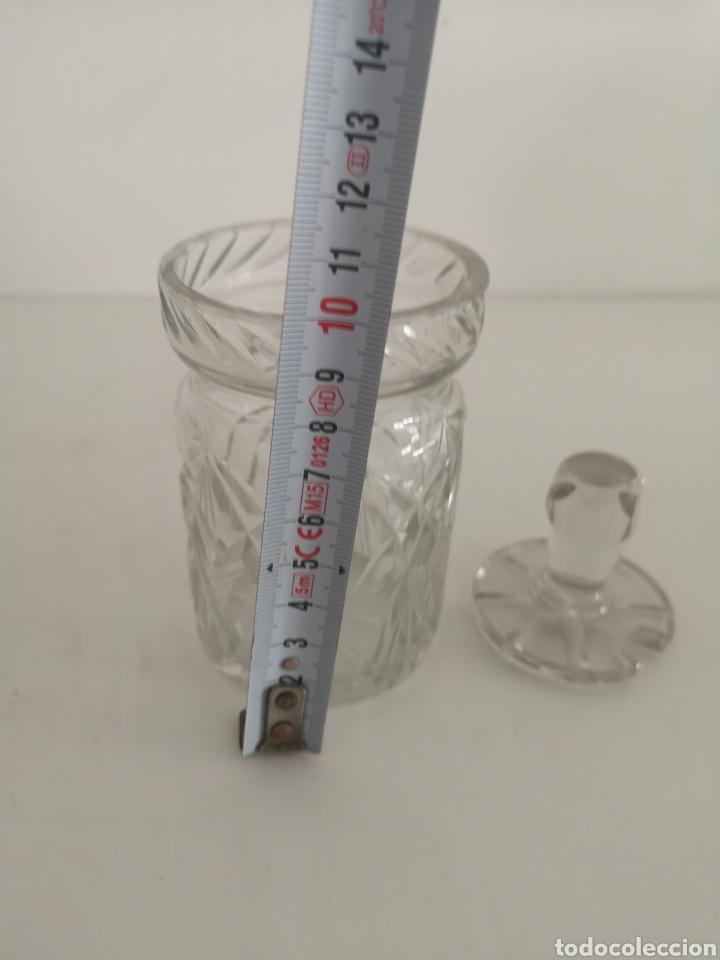 Antigüedades: Precioso y antiguo tarro bote algodonero de cristal de bohemia tallado - Foto 8 - 222619142