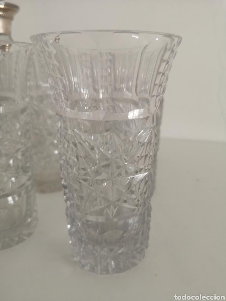 Antigüedades: Precioso juego de licorers y vasos en cristal de bohemia tallada y plata - Foto 2 - 222619222