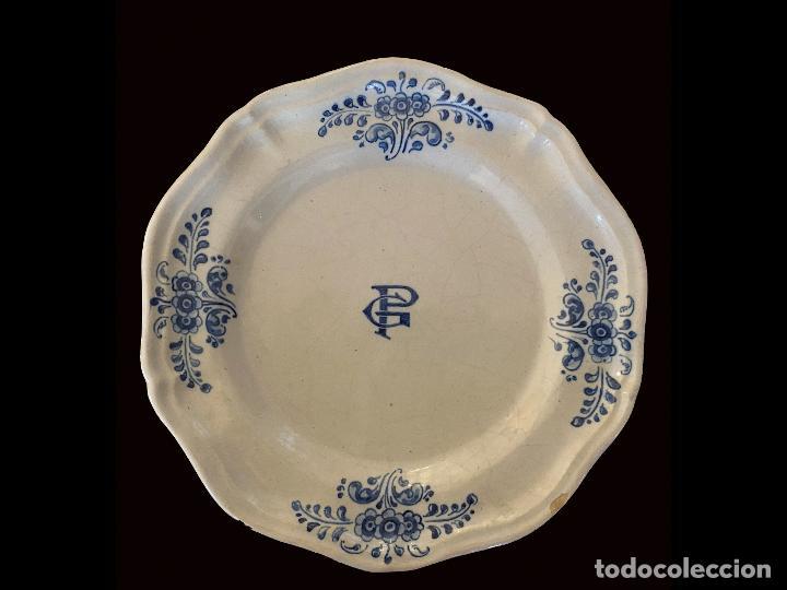 Antigüedades: Antiguos platos de Talavera, iniciales G. P., impecables, - Foto 2 - 222623582