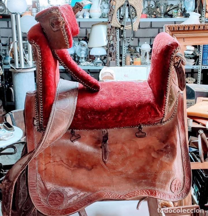 Antigüedades: EXCELENTE SILLA DE MONTAR CABALLO DE MUJER S.XVIII - Foto 2 - 222626265