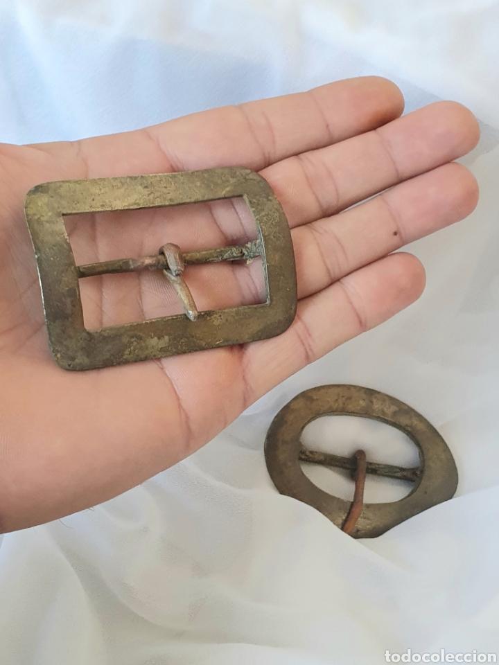 Antigüedades: LOTE 2 ANTIGUAS HEBILLAS DE BRONCE SIGLO XIX ARTESANALES - Foto 3 - 222626351