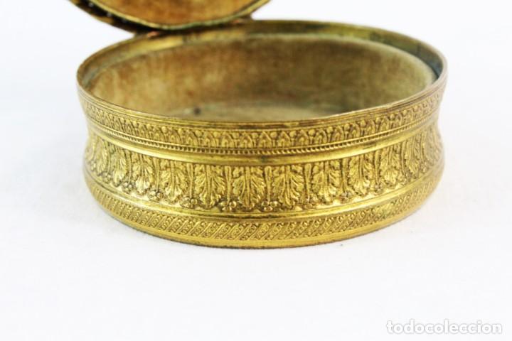 Antigüedades: Joyero en bronce con miniatura pintada y firmada ca 1890 - A brass jewel box with miniature painting - Foto 5 - 222643708