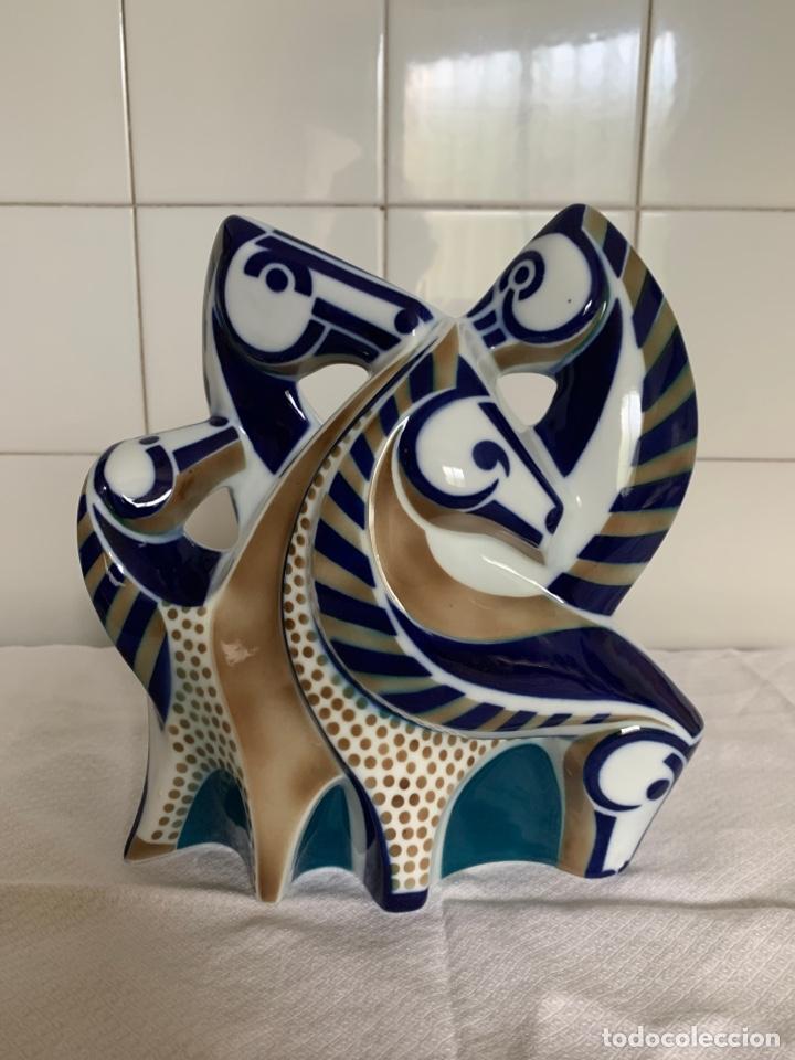 FIGURA DE PORCELANA DE SARGADELOS (Antigüedades - Porcelanas y Cerámicas - Sargadelos)