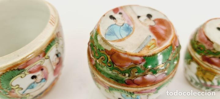 Antigüedades: cuatro frascos de porcelana de exportación china del siglo XIX - Foto 2 - 222685300
