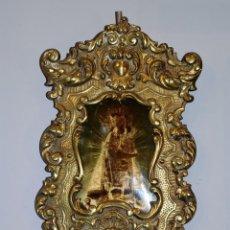 Antigüedades: MUY BONITA BENDITERA DE BRONCE CON LA IMAGEN DE LA VIRGEN DE LOS DESAMPARADOS. Lote 222687960