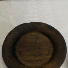 Antigüedades: ANTIGUO PLATO DE MADERA ARTESANÍA POPULAR GALICIA.. Lote 222706516