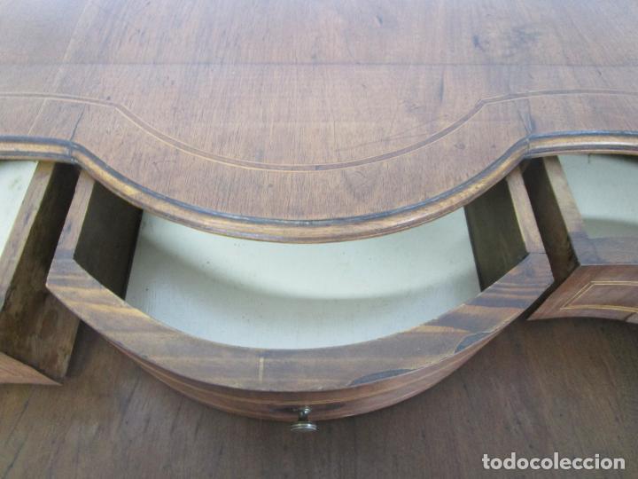 Antigüedades: Antigua Cómoda Catalana - Madera de Nogal y Marquetería - Tiradores de Bronce - S. XVIII - Foto 18 - 222734487