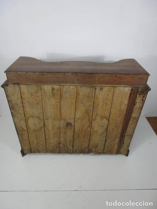 Antigüedades: Antigua Cómoda Catalana - Madera de Nogal y Marquetería - Tiradores de Bronce - S. XVIII - Foto 34 - 222734487