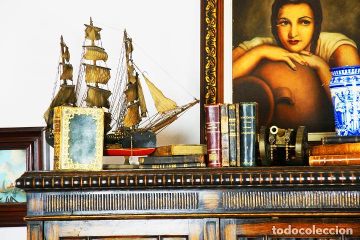 Antigüedades: Bella vitrina librería en madera noble. Cristales originales. 160 cm de alto x 173 cm de ancho. - Foto 3 - 222761766