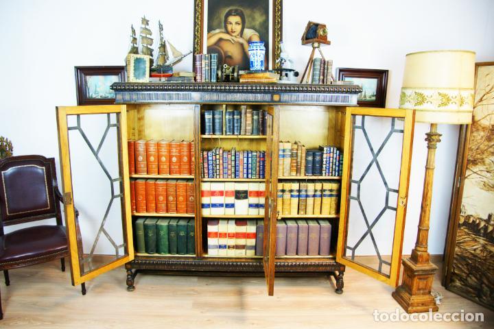 Antigüedades: Bella vitrina librería en madera noble. Cristales originales. 160 cm de alto x 173 cm de ancho. - Foto 7 - 222761766