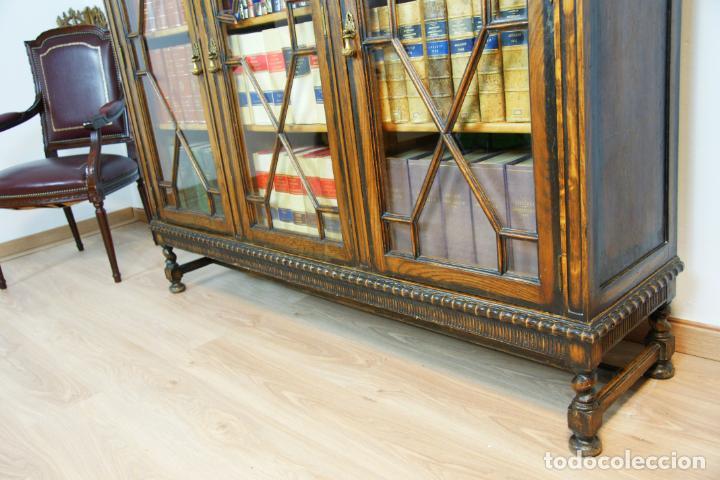 Antigüedades: Bella vitrina librería en madera noble. Cristales originales. 160 cm de alto x 173 cm de ancho. - Foto 13 - 222761766