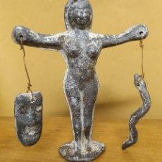 Antigüedades: CURIOSA FIGURA ESOTÉRICA DE PLOMO. Lote 222777267