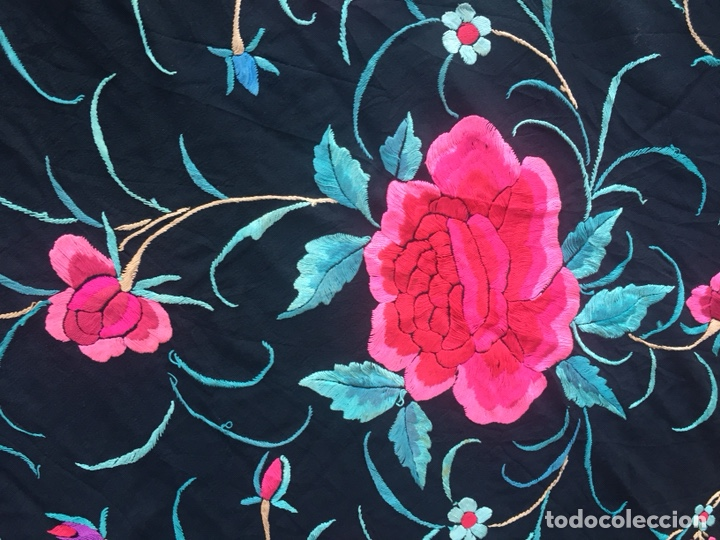 Antigüedades: Antiguo mantón de seda bordado a mano.Ppios siglo XX. - Foto 5 - 222807153