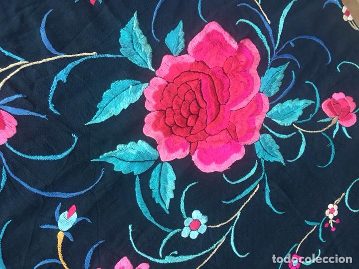 Antigüedades: Antiguo mantón de seda bordado a mano.Ppios siglo XX. - Foto 6 - 222807153