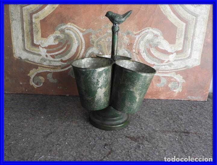 MACETEROS JARDINERAS O TIESTOS METALICOS MUY BONITOS (Antigüedades - Hogar y Decoración - Maceteros Antiguos)