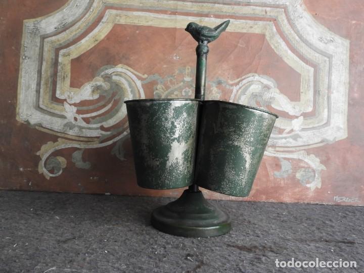 Antigüedades: MACETEROS JARDINERAS O TIESTOS METALICOS MUY BONITOS - Foto 2 - 222841557