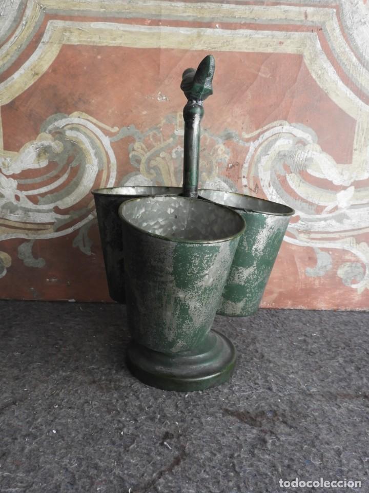 Antigüedades: MACETEROS JARDINERAS O TIESTOS METALICOS MUY BONITOS - Foto 3 - 222841557
