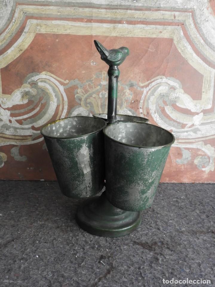 Antigüedades: MACETEROS JARDINERAS O TIESTOS METALICOS MUY BONITOS - Foto 4 - 222841557