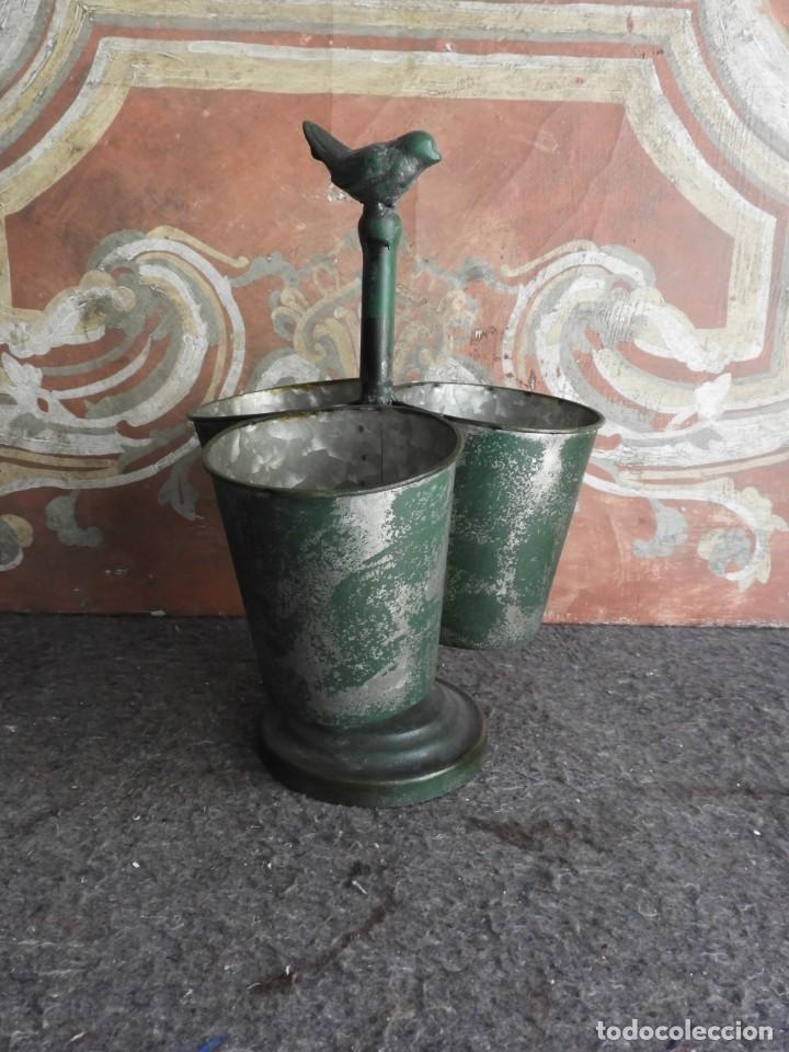 Antigüedades: MACETEROS JARDINERAS O TIESTOS METALICOS MUY BONITOS - Foto 5 - 222841557
