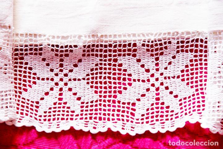 Antigüedades: Preciosa sábana de hilo o lino con puntilla de ganchillo. CC.Nº6. 183 cm. - Foto 3 - 222881417