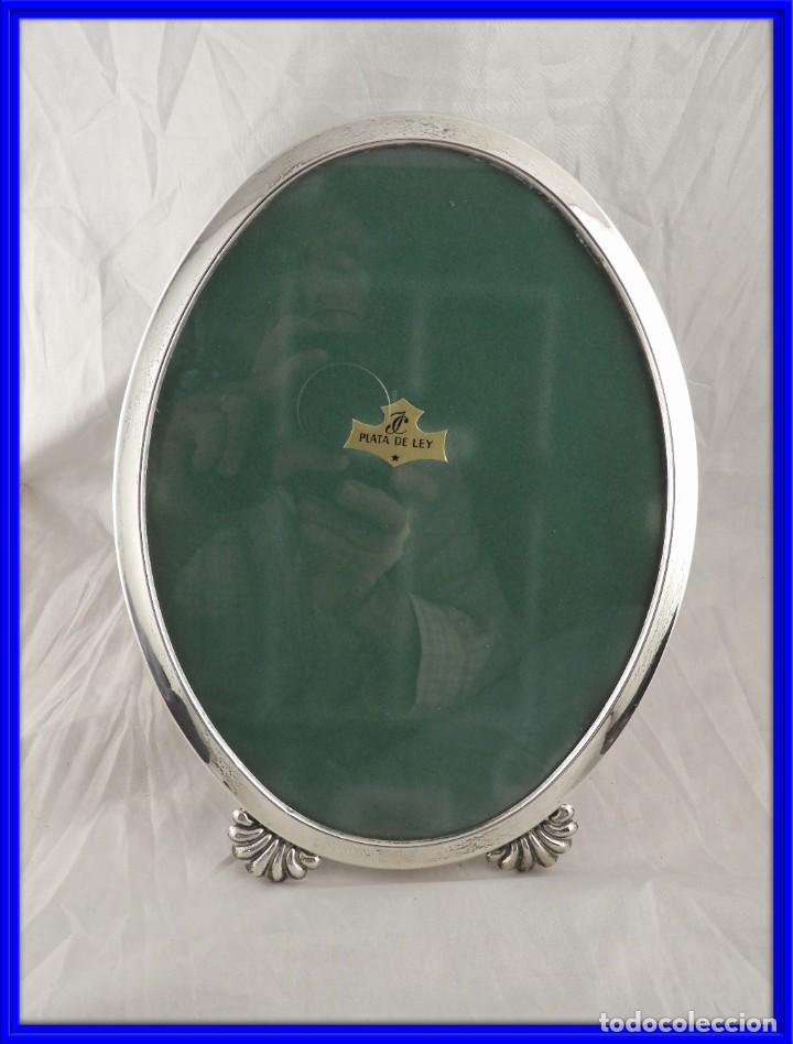MARCO DE PLATA 925 OVALADO CON PATAS 26 X 20 CM DE ISABEL CABANILLAS (Antigüedades - Platería - Plata de Ley Antigua)