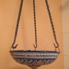 Antigüedades: MACETERO DE COLGAR DE CERÁMICA DE TRIANA.. Lote 222960336