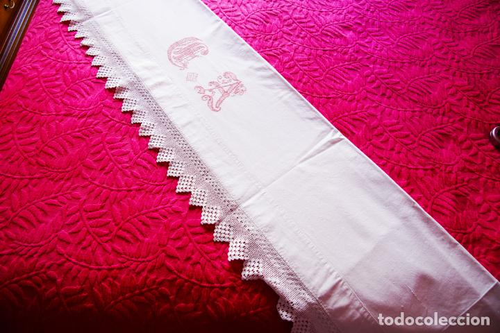 Antigüedades: Bonita sábana de algodón con iniciales bordadas en hilo rosa. CC.Nº7. Siglo XIX. - Foto 4 - 222971060