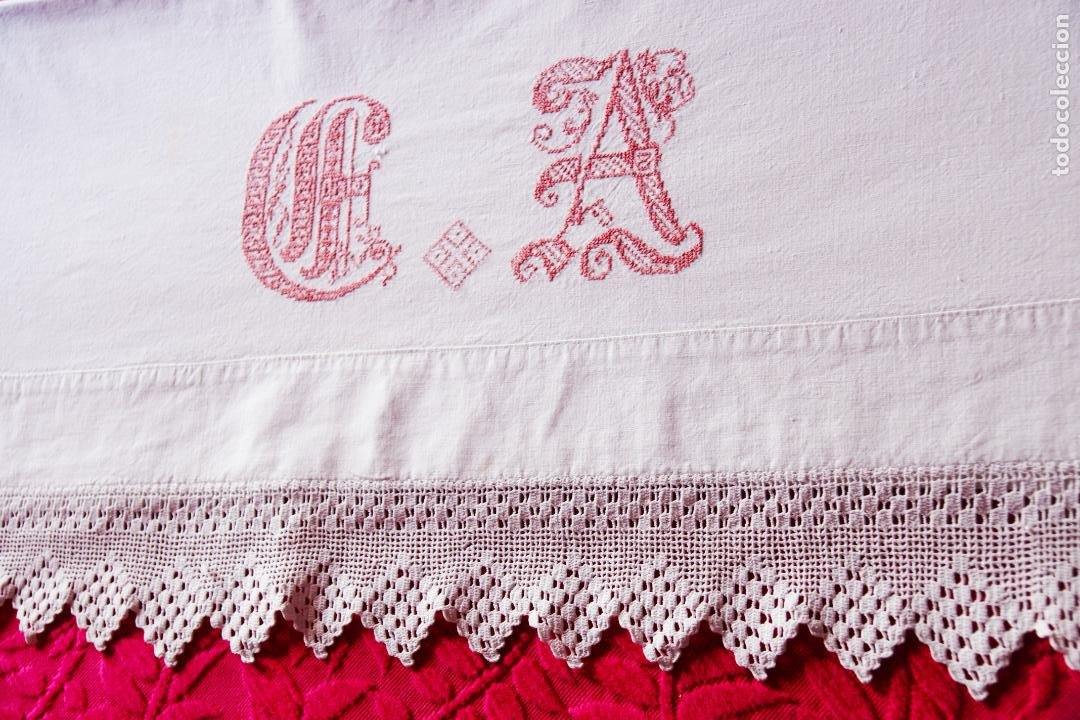 Antigüedades: Bonita sábana de algodón con iniciales bordadas en hilo rosa. CC.Nº7. Siglo XIX. - Foto 5 - 222971060
