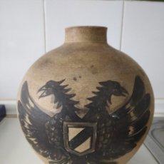 Antiquités: TALAVERA?ANTIGUO BÚCARO DE CERÁMICA PINTADO A MANO CON ÁGUILA BICEFALA. Lote 222988997