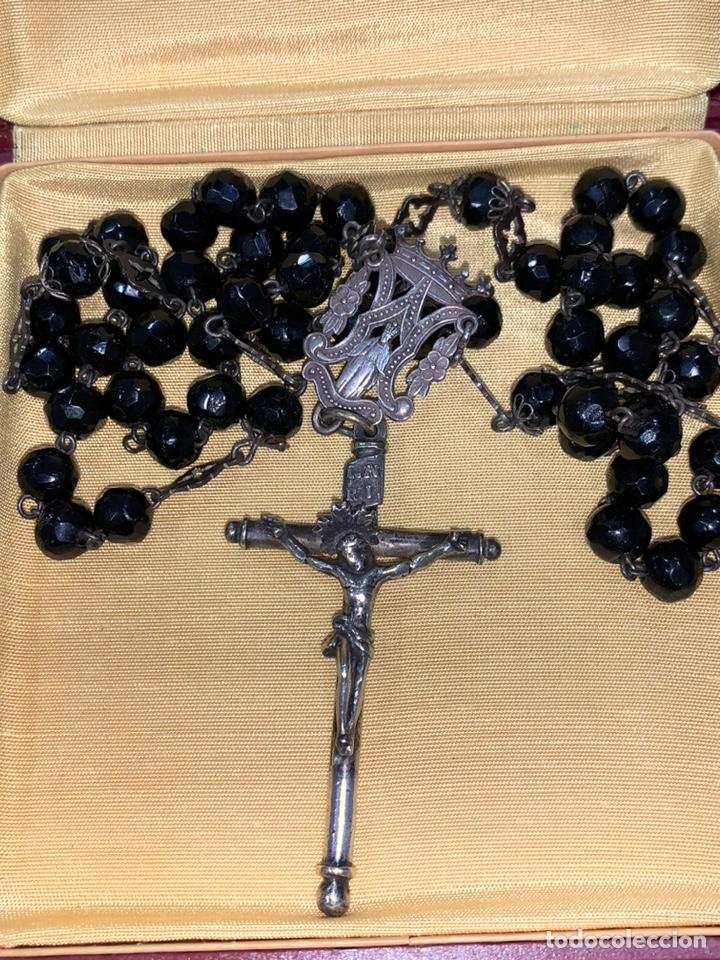 Antigüedades: Magnífico rosario del siglo XIX en plata de ley y azabache en caja. Magnífica pieza de colección - Foto 2 - 223082540
